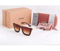 Солнцезащитные очки  MIU MIU MM-01